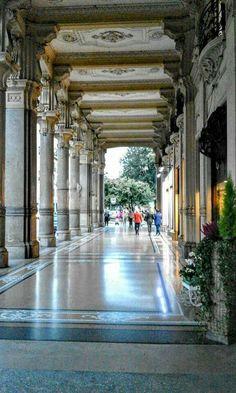 I portici di Via Cernaia #torino