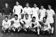 Le grand Real Madrid 1956-1960 En effet, cette équipe gagnera pas moins de 5 coupes des club champion de suite record qui tient toujours et 2 ligas avec notamment des stars légendaires : Di Stefano, Puskas, Kopa, Gento ...