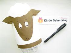 Laternen basteln Schaf: Anleitung für die Kinder und kostenlose Vorlage