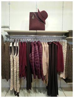 #bordeaux #rosa #marrone #abito #pizzo #pantaloni #piumino #borsa #stefanelvigevano #abbigliamento