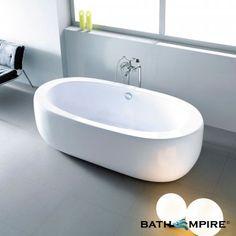 Love this free standing bath tub!