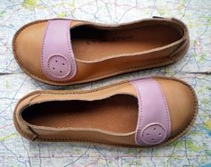 Handmade leather shoes with cute button detail