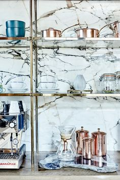 Marble kitchen backsplash | photo: Jenna Peffley