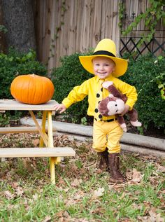 The Man in the Yellow Hat toddler Halloween costume | EmilyMcCall.com