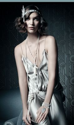 Tiffany & Co. Flapper Girl #vintage #1920s #flapper #artdeco http://vintagetearoses.com/great-gatsby-glamour-film-fashion