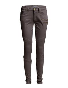 DAY - Day Lark Zip BIker Logo detail Slight stretch Zipper details Belt loops Classic 5 pocket styling Skinny fit Cool Classic Excellent quality and fit Trousers, Pants, Skinny Fit, Biker, Black Jeans, Belt, Pocket, Zip, Logo