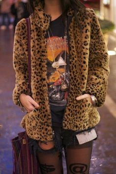 cheetah jacket for those type of nights Hipster Grunge, Grunge Style, Soft Grunge, Neo Grunge, Grunge Girl, Goth Style, Looks Street Style, Looks Style, My Style
