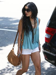 Find images and videos about vanessa hudgens on We Heart It - the app to get lost in what you love. Classy Outfits, Cool Outfits, Summer Outfits, Girly Outfits, Summer Wear, Summer Time, Spring Summer, Fashion Beauty, Girl Fashion