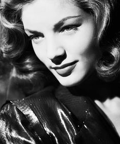 Lauren Bacall - one of my favourite looks Old Hollywood Glamour, Vintage Glamour, Vintage Hollywood, Hollywood Stars, Vintage Beauty, Classic Hollywood, Vintage Style, Lauren Bacall, Classic Beauty