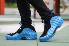 Here's the 'University Blue' Nike Foamposite On-Foot Nike Kicks, Kicks Shoes, Most Expensive Basketball Shoes, Nike Air Shoes, Sneakers Nike, Shoes Jordans, Bo Jackson Shoes, Baskets, Nike Foamposite