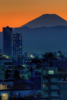 Mount Fuji at sunset; Omori, Shinagawa-ku, Tokyo by Alfie | Japanorama, via Flickr