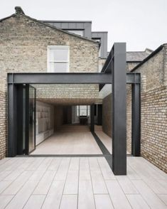 Con Form Architects completes London house extension with steel frame at its centre Con Form Architects completes London house extension Repoussoir House Architecture Styles, London Architecture, Modern Architecture, House Extension Design, Extension Designs, Extension Ideas, Terraced House, Residential Architect, Architect Design