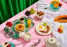 This collaborative project from Paloma Rincón and Pablo Alfieri is a playful and enthusiastic way to portray early morning sex. In this series of 12 images where nude bodies and breakfast food come together in colourful and theatrical environments, there …