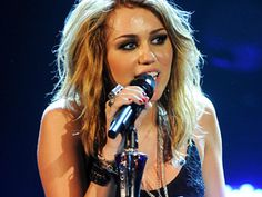 miley cyrus at house of blues   like her hair