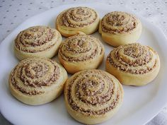 Schneckennudeln mit Nussfüllung Nut noodles with nut filling from Nici_Blue Delicious Cake Recipes, Yummy Cakes, Sweet Recipes, Pudding Desserts, Dessert Recipes, Dough Ingredients, Filling Food, Filling Recipe, Pin On