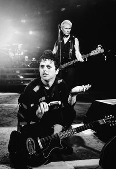 Billie Joe Armstrong and Mike Dirnt - Green Day