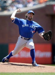 R.A. Dickey - Toronto Blue Jays Baseball Star, Baseball League, Sports Baseball, Baseball Players, Nba Basketball, Mlb American League, Mlb Teams, Tampa Bay Rays, Sports Figures