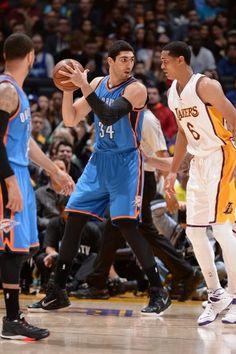Oklahoma City Thunder vs. Los Angeles Lakers - Photos - March 01, 2015 - ESPN