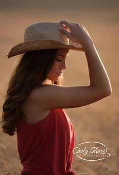 senior girl, western theme, wheat field, class of 2016 senior pictures