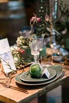 Modern-Vintage: Anna & Nandi erneuern ihr Ja-Wort DENIZ PEKDEMIR http://www.hochzeitswahn.de/inspirationsideen/modern-vintage-anna-nandi-erneuern-ihr-ja-wort/ #wedding #vintage #inspo