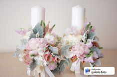 lumanari cununie din bujori roz pal 2019 issa issaevents bucuresti valcea Candle Holders, Floral Wreath, Bouquet, Wreaths, Candles, Table Decorations, Wedding Dresses, Pastel, Flowers
