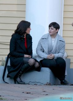 "Lana Parilla and Ginnifer Goodwin - Behind the scenes - 6 * 1 ""The Savior"" - 12th July 2016"
