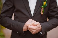Groom's Wedding Ring: 7 Tips to Choose the Perfect Band