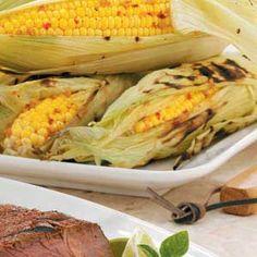 Sweet 'n' Spicy Roasted Corn Recipe Dinner Side Dishes, Dinner Sides, Corn Recipes, Side Dish Recipes, Yummy Recipes, Recipies, Sweet N Spicy, State Fair Food, Roasted Corn