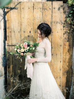 Ramo de novia romántico y salvaje