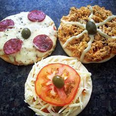 Home made pizza to promote at dwelling or on the road. by when you'll be able to promote, learn how Mini Pizzas, Receita Mini Pizza, Extra Pizza, Cheap Meal Plans, Food Net, Love Pizza, Food Hacks, Food And Drink, Yummy Food