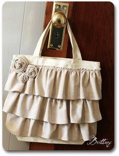 ruffle tote bag. This is cute! Would make a cute diaper bag too!