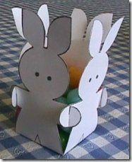 Cestinha de páscoa em papelão pra você fazer rapidinho e preparar as surpresas do coelhinho.