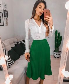 White shirt and green skirt Work Fashion, Modest Fashion, Skirt Fashion, Fashion Looks, Fashion Outfits, Modest Outfits, Skirt Outfits, Casual Outfits, Dresses Elegant