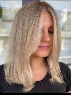 Adorable Medium Length Blonde Hair Styles for Women 2021 | Stylesmod Medium Length Blonde, Medium Short Hair, Medium Hair Styles, Short Hair Styles, Medium Hairstyles For Girls, Medium Haircuts, Unique Hairstyles, Blonde Haircuts, Girl Haircuts