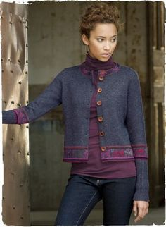 Flower-filled diamonds from a traditional Cuzco region textile form a striking mosaic on the back of our cropped alpaca cardigan. Intarsia knit in a dusky blue mélange, with patterned banding and deep ribbed cuffs.