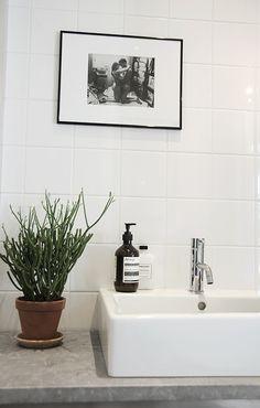 Home - Lovely Life Relaxing Bathroom, Bathroom Inspo, Bathroom Inspiration, Bathroom Interior, White Square Tiles, Boy Bath, Bathroom Toilets, White Bathroom, Amazing Bathrooms