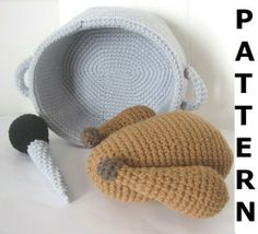 Play Food Crochet Pattern -- Turkey with Roasting Pan.