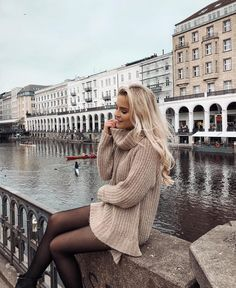 I N S T A @ famme for sportswear, nordic design and worldwide shipping Winter Mode Outfits, Winter Fashion Outfits, Autumn Winter Fashion, Trendy Outfits, Fall Outfits, Cute Outfits, Autumn Style, Fall Fashion, Street Style Outfits