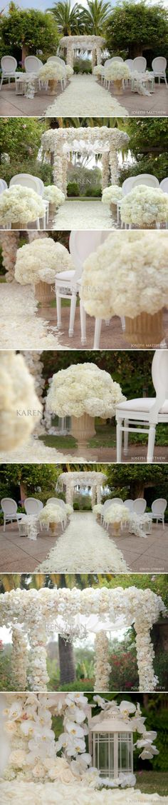 ceremony flowers #wedding #love #beaitiful #flowers #garden #gardenwedding #decorations