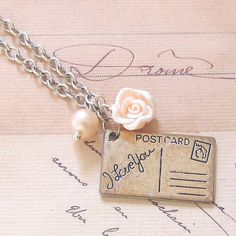 Vintage inspired jewellery DIY. Could do something similar for Best Friend necklaces...
