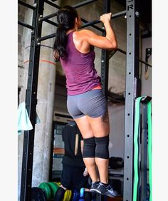 Them pull-ups... #tinybutmighty #crossfit #crossfitandtattoos #strongwoman #bulkyandhappy