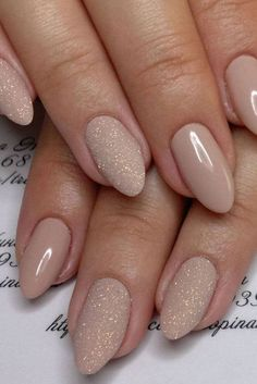 There are three kinds of fake nails which all come from the family of plastics. Acrylic nails are a liquid and powder mix. They are mixed in front of you and then they are brushed onto your nails and shaped. These nails are air dried. Cute Nails, Pretty Nails, My Nails, Nails 2017, Gorgeous Nails, S And S Nails, Amazing Nails, Fabulous Nails, Pretty Makeup