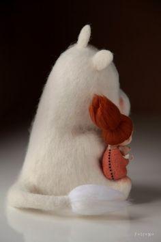 Fetreno. Авторские игрушки из шерсти и не только | VK Needle Felted Animals, Felt Animals, Cute Crafts, Felt Crafts, Wool Dolls, Needle Felting Tutorials, Cute Stuffed Animals, Wet Felting, Felt Toys