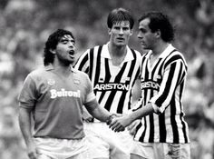 Diego Maradona, Michel Platini and Michael Laudrup in a Napoli-Juventus, Best Football Players, World Football, Sport Football, Soccer Players, Retro Football, Ronaldo, Michel Platini, Diego Armando, Association Football