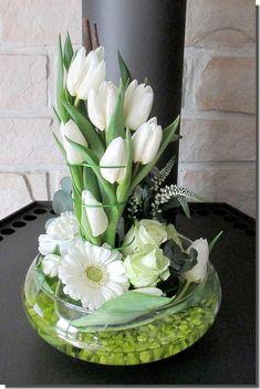 Ikebana, Flower Centerpieces, Flower Decorations, Deco Floral, Floral Design, Fleur Design, Flower Bottle, Church Flowers, Mermaid Art