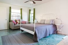 Airbnb in Austin, United States. $61 USD per night.  Newly built master suite attached to historic east Austin home.  Big windows, bright colors, stained concrete floors, keyless check-in, kitchenette, clean Clean CLEAN.   Luxuriously located, consummately comfy, fabulously functional