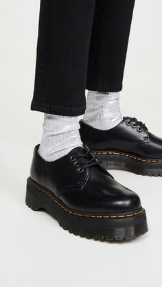 Shop the nine It items New York fashion girls have been wearing nonstop this season. Funky Shoes, Cute Shoes, Me Too Shoes, Dr Martens Outfit, Doc Martens Oxfords, Doc Martens Style, Aesthetic Shoes, Aesthetic Clothes, Grunge Outfits