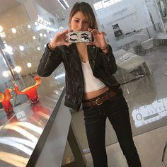 En uno de mis salones favoritos en #Lima !!!  @salonalterego  Con mi nuevo #case para #iphone #Chiara de @all.access.peru  y collar de @benedettabyandreaalvarez #LOVE