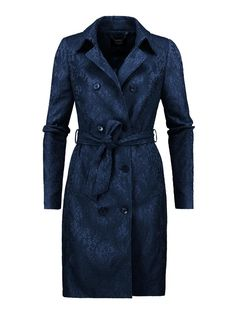 Donkerblauwe trenchcoat met een all-over kantpatroon | Claudia Sträter