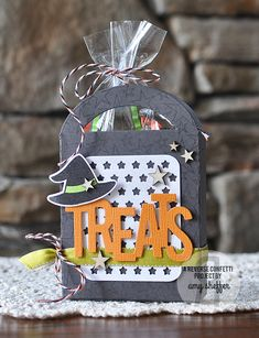 Treat Tote by Amy Sheffer. Reverse Confetti stamp sets: So Many Stars and Cast a Spell. Confetti Cuts: Cast a Spell, Pretty Panels Stars, Treat Tote and Tagged Tote. Halloween treat tote. Halloween gift party favor.